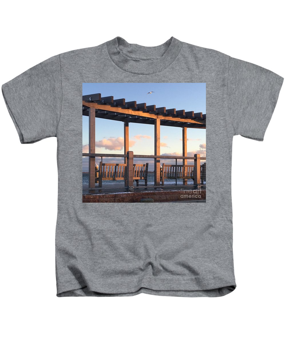 Beach Kids T-Shirt featuring the photograph Seaside Seating by CAC Graphics
