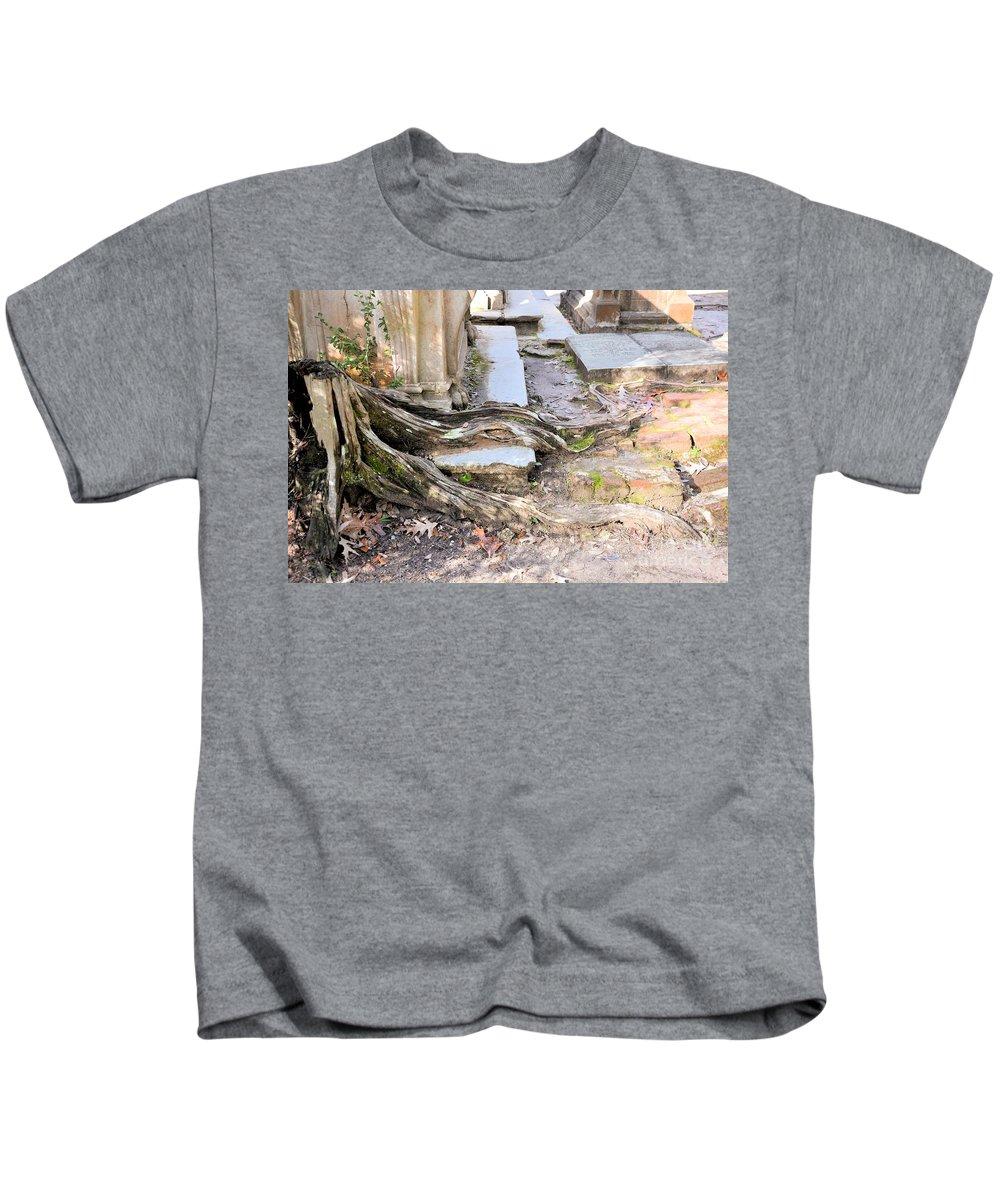 South Carolina Kids T-Shirt featuring the photograph Sheldon Church Of South Carolina by Katherine W Morse