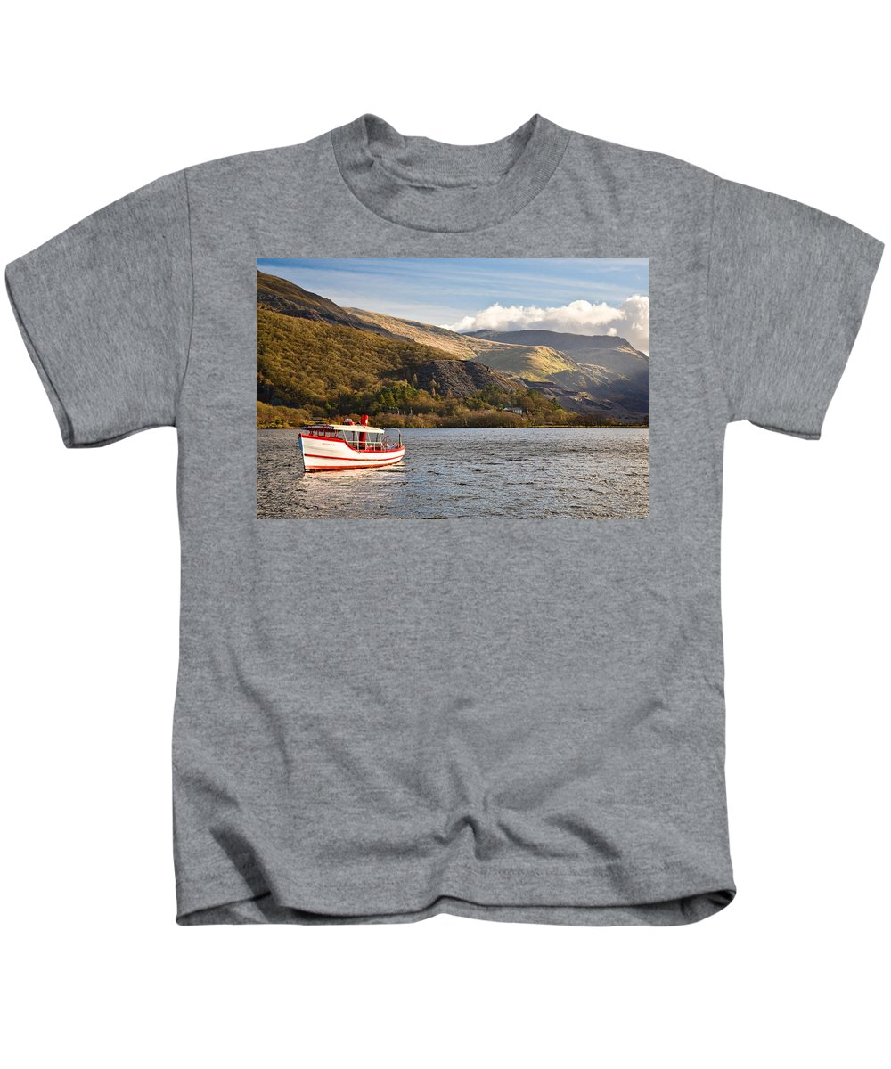 Snowdonia Kids T-Shirt featuring the photograph Snowdon Star by Dave Bowman