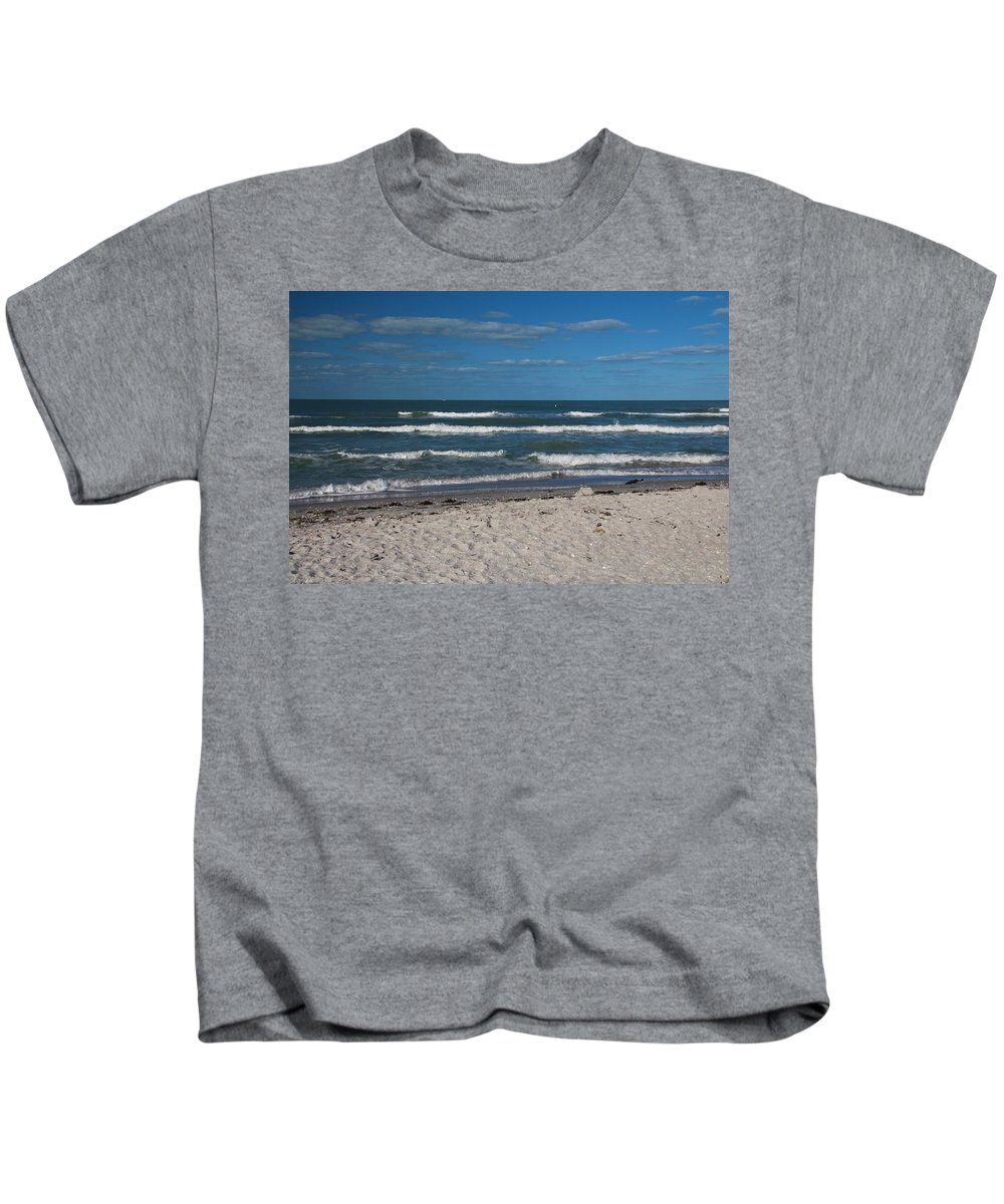 Waves Kids T-Shirt featuring the photograph Songstress by Michiale Schneider