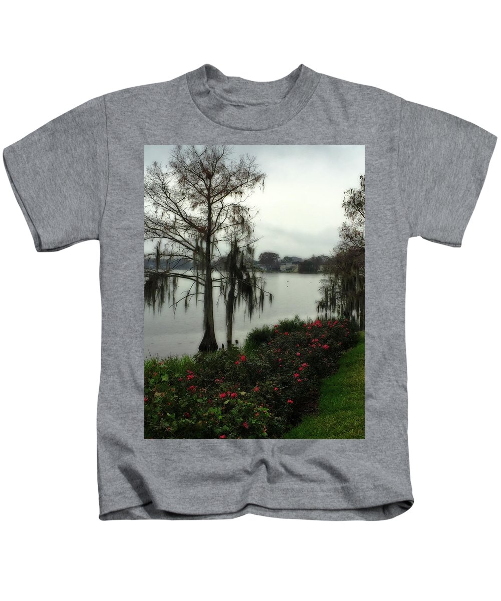 Moss Kids T-Shirt featuring the photograph Southern Moss by Donna Cain