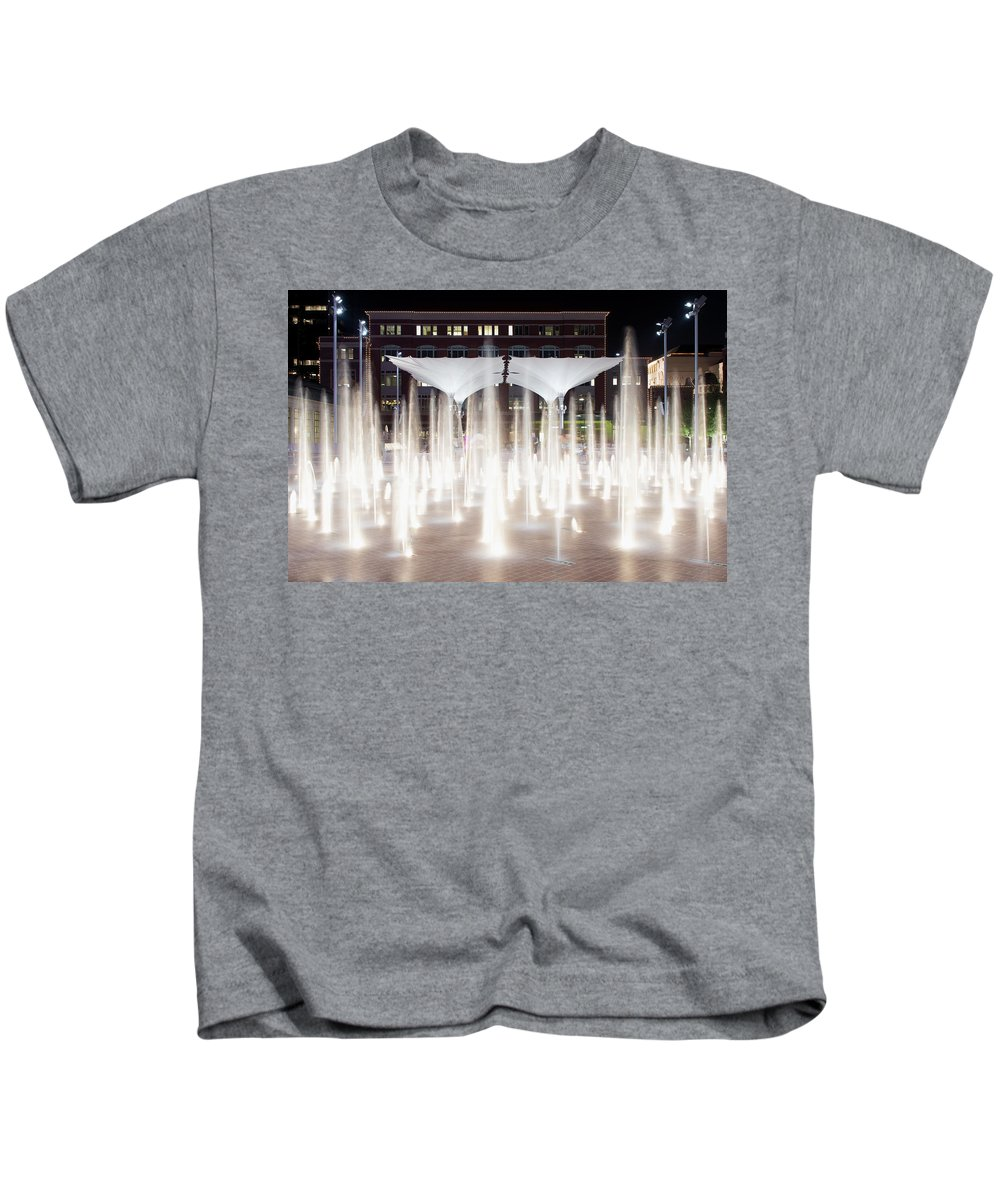 Sundance Square Fort Worth Kids T-Shirt featuring the photograph Sundance Square 33117 by Rospotte Photography
