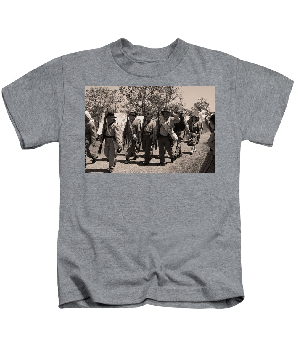 Civil War Kids T-Shirt featuring the photograph Thank You Ladies by Tommy Anderson