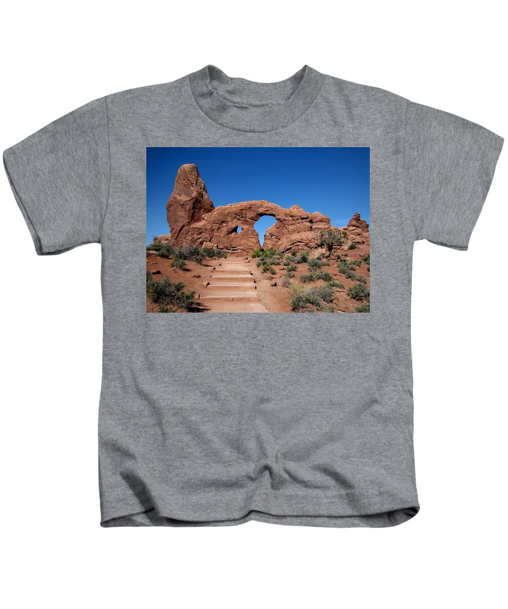 Arch Kids T-Shirt featuring the photograph The Arch by Sandy Keeton