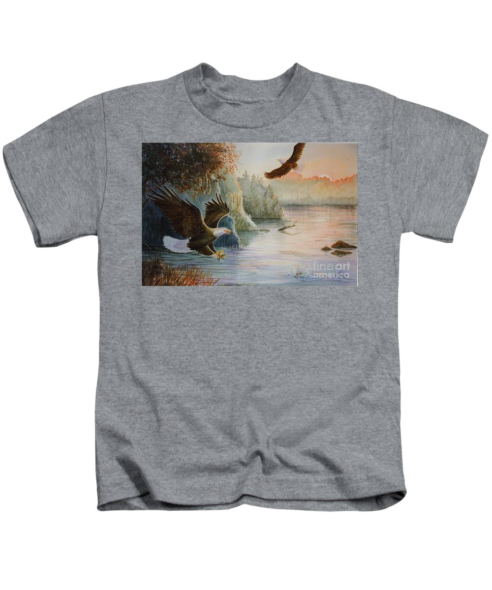 Eagles Kids T-Shirt featuring the painting The Catch by Marilyn Smith
