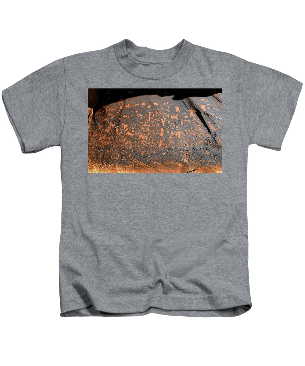 Newspaper Rock Kids T-Shirt featuring the photograph The Great Panel At Newspaper by David Lee Thompson