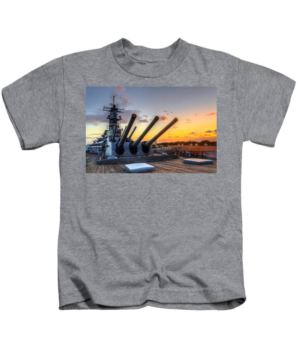 Hawaii Kids T-Shirt featuring the photograph The Uss Missouri's Last Days by Jason Chu