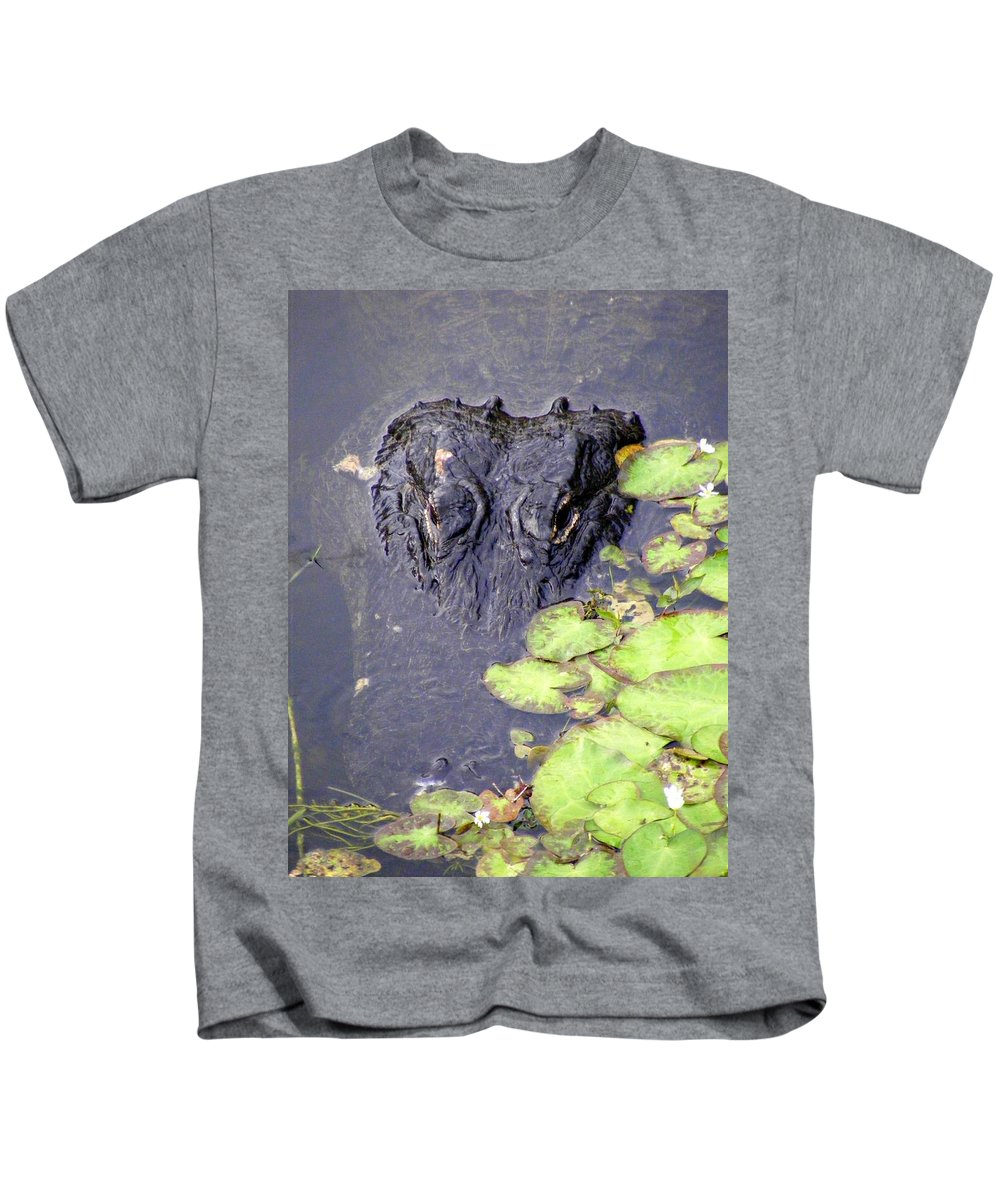 Swamp Kids T-Shirt featuring the photograph Too Close For Comfort by Ed Smith