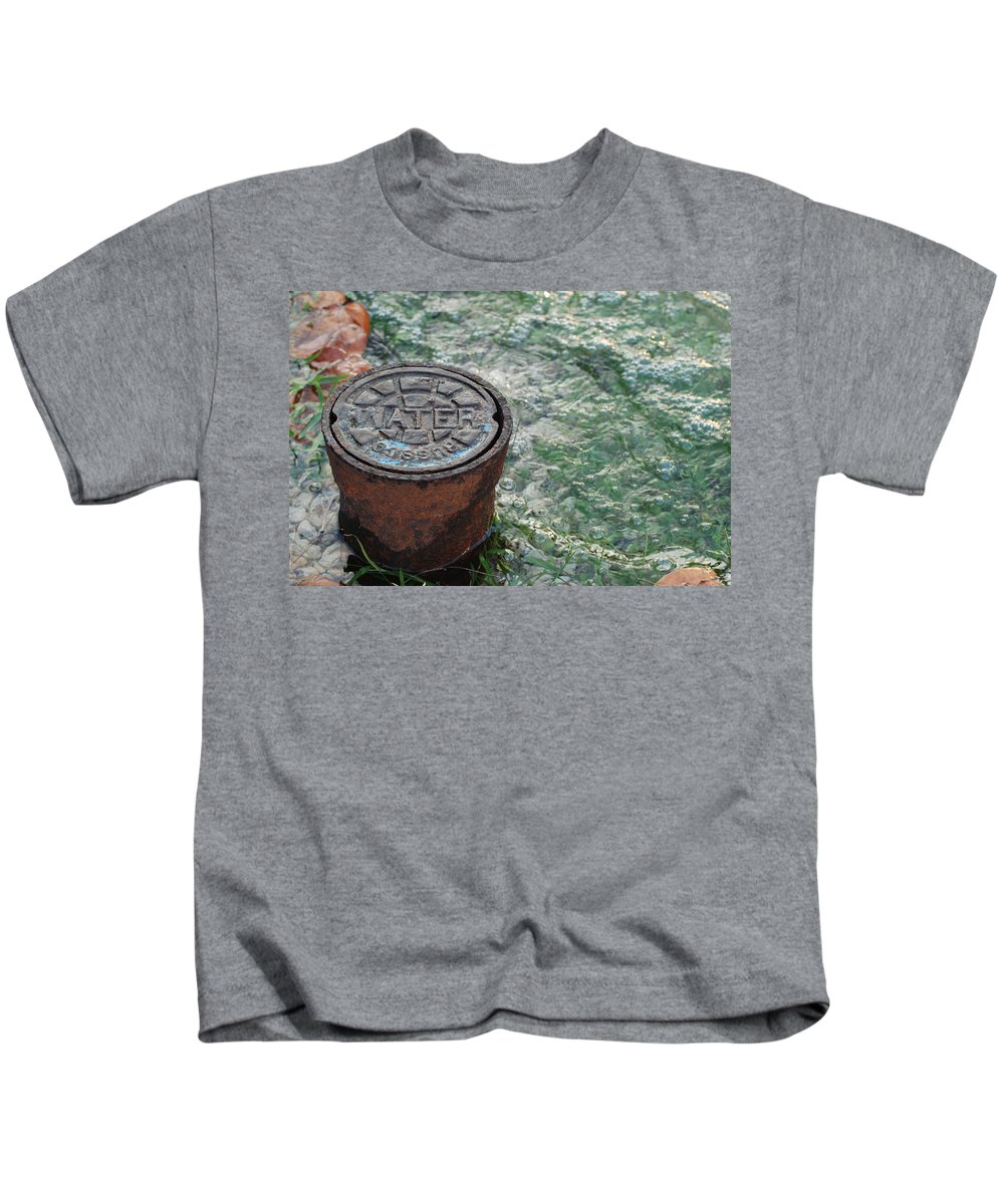 Green Kids T-Shirt featuring the photograph Water by Rob Hans