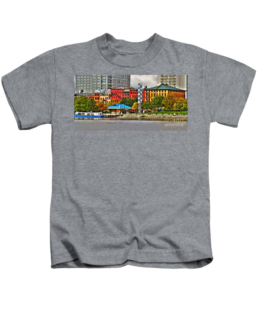 Water Street Kids T-Shirt featuring the photograph Water Street-toledo Ohio by Jack Schultz