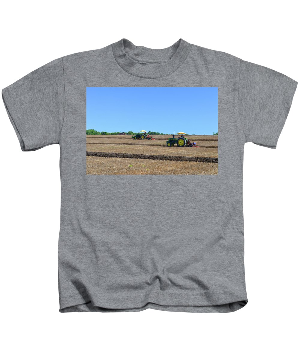 Farm Kids T-Shirt featuring the photograph Yellow Sunshades by Lyle Crump