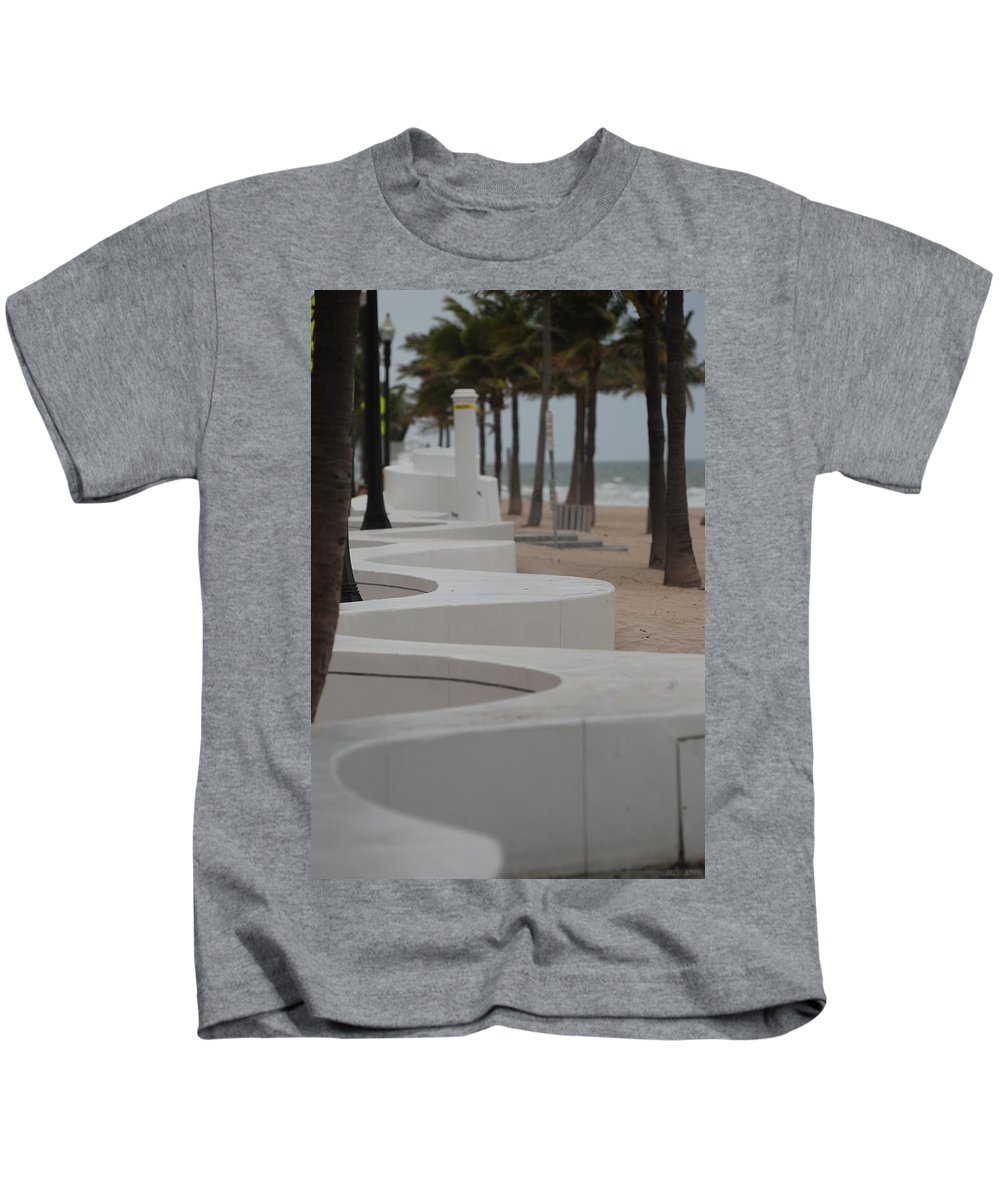 Pop Art Kids T-Shirt featuring the photograph Zig Zag At The Beach by Rob Hans