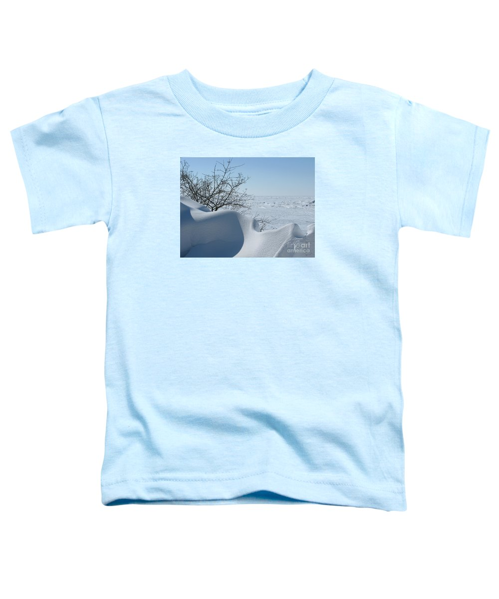 Winter Toddler T-Shirt featuring the photograph A Gentle Beauty by Ann Horn