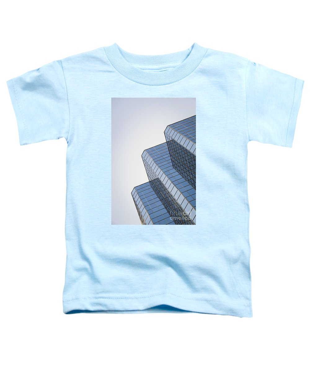 Calgary Toddler T-Shirt featuring the photograph Straight Across My Mind by Evelina Kremsdorf