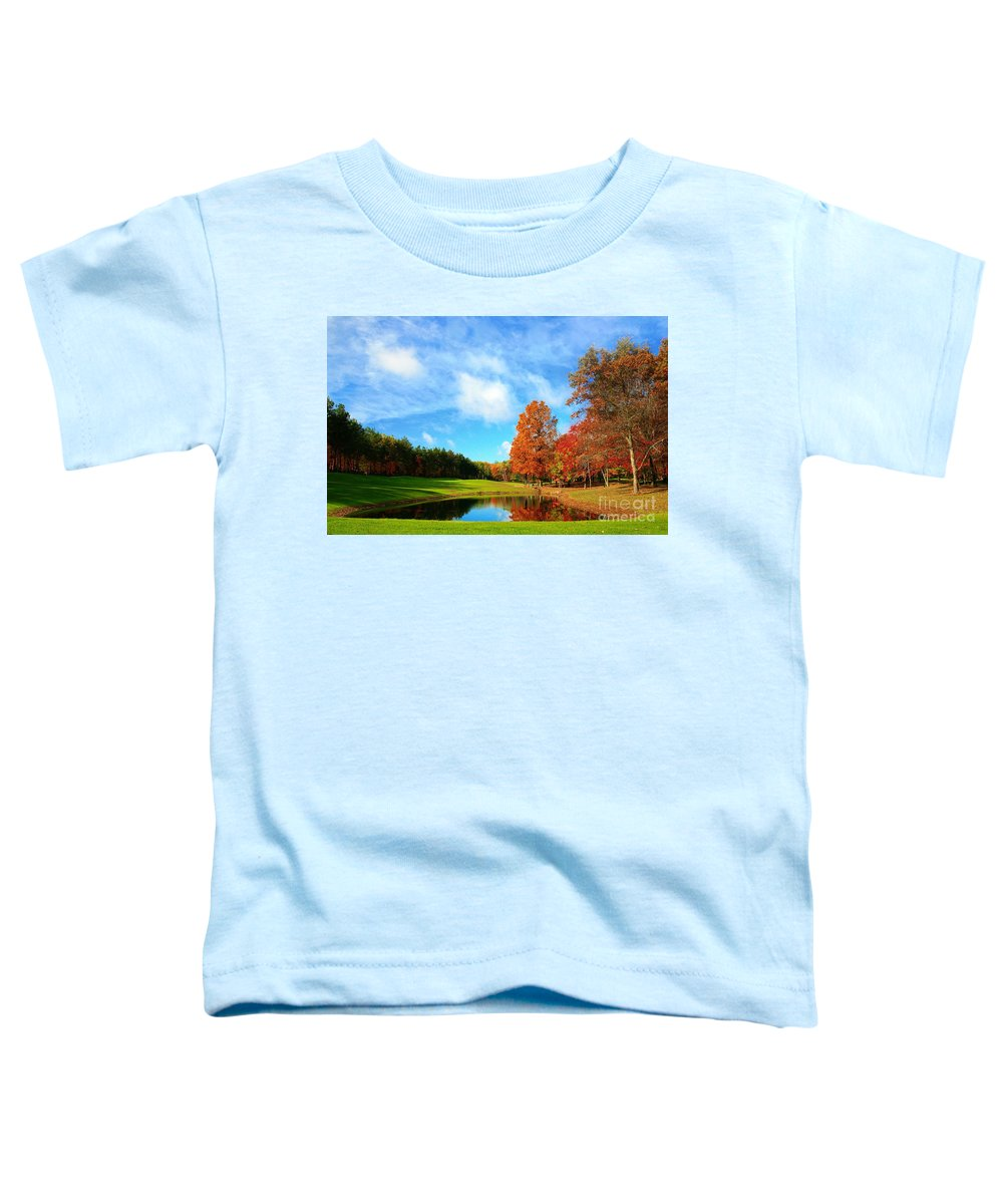 Golf Toddler T-Shirt featuring the photograph 18th Hole Par3 by Robert Pearson