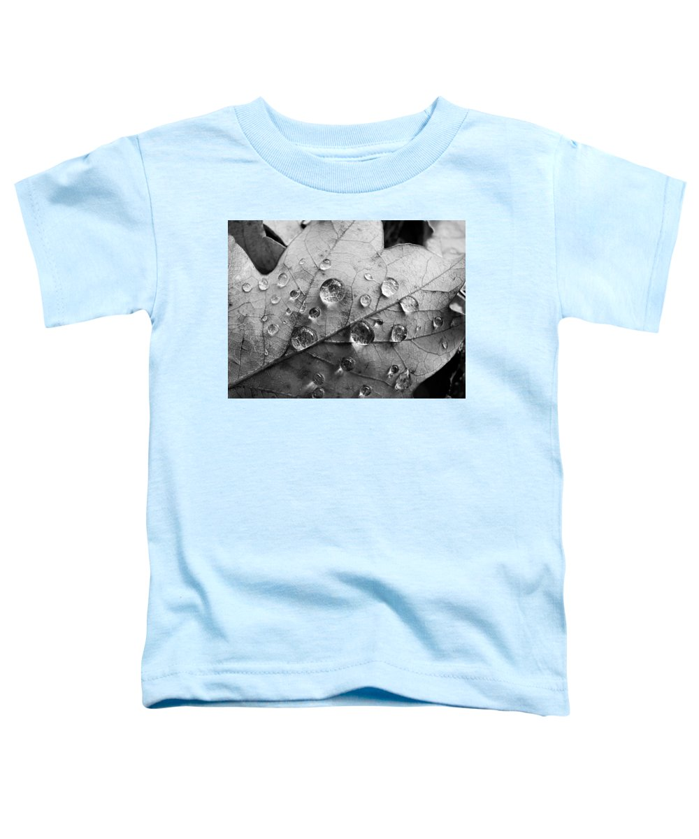 Drops Toddler T-Shirt featuring the photograph Raindrops by Daniel Csoka