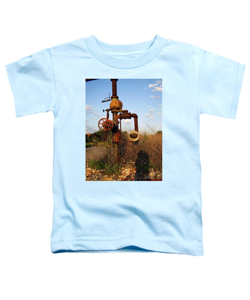 Pipes Toddler T-Shirt featuring the photograph Still Here by Flavia Westerwelle