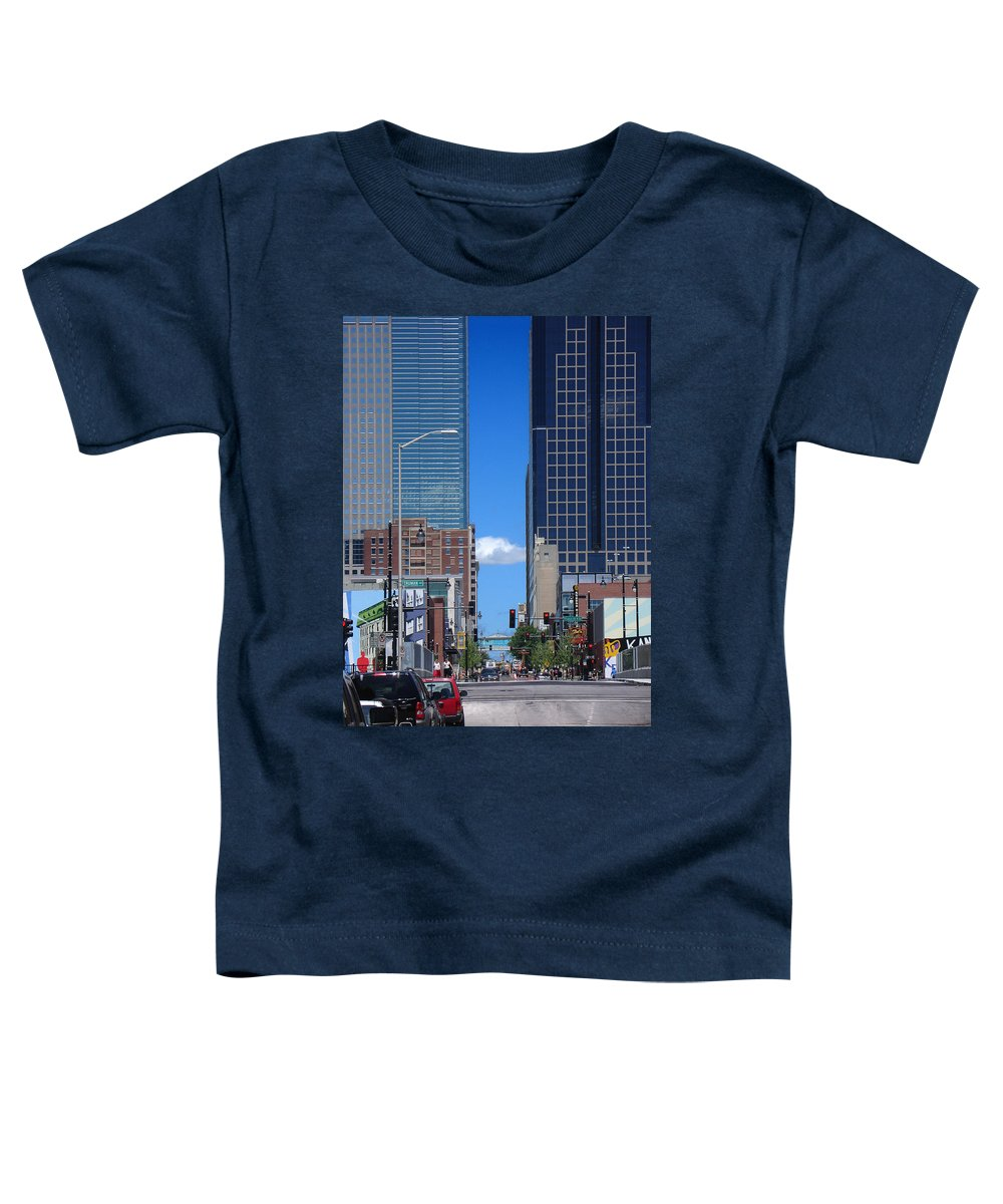 Kansas City Toddler T-Shirt featuring the photograph City Street Canyon by Steve Karol