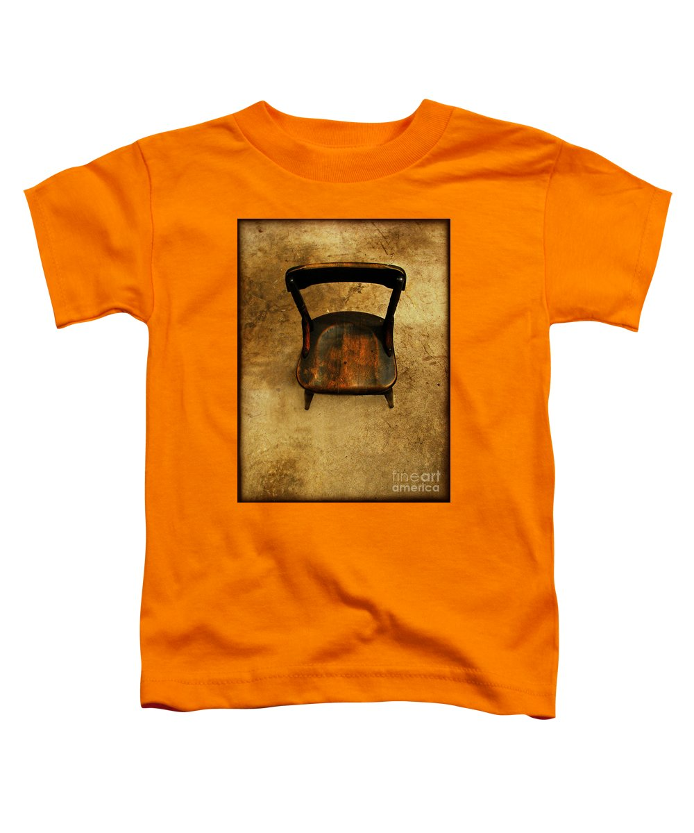 Alone Toddler T-Shirt featuring the photograph Waiting To Say Goodbye by Dana DiPasquale