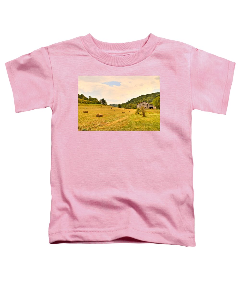 Pastorial Toddler T-Shirt featuring the photograph Pastorial Framland In Kentucky by Douglas Barnett