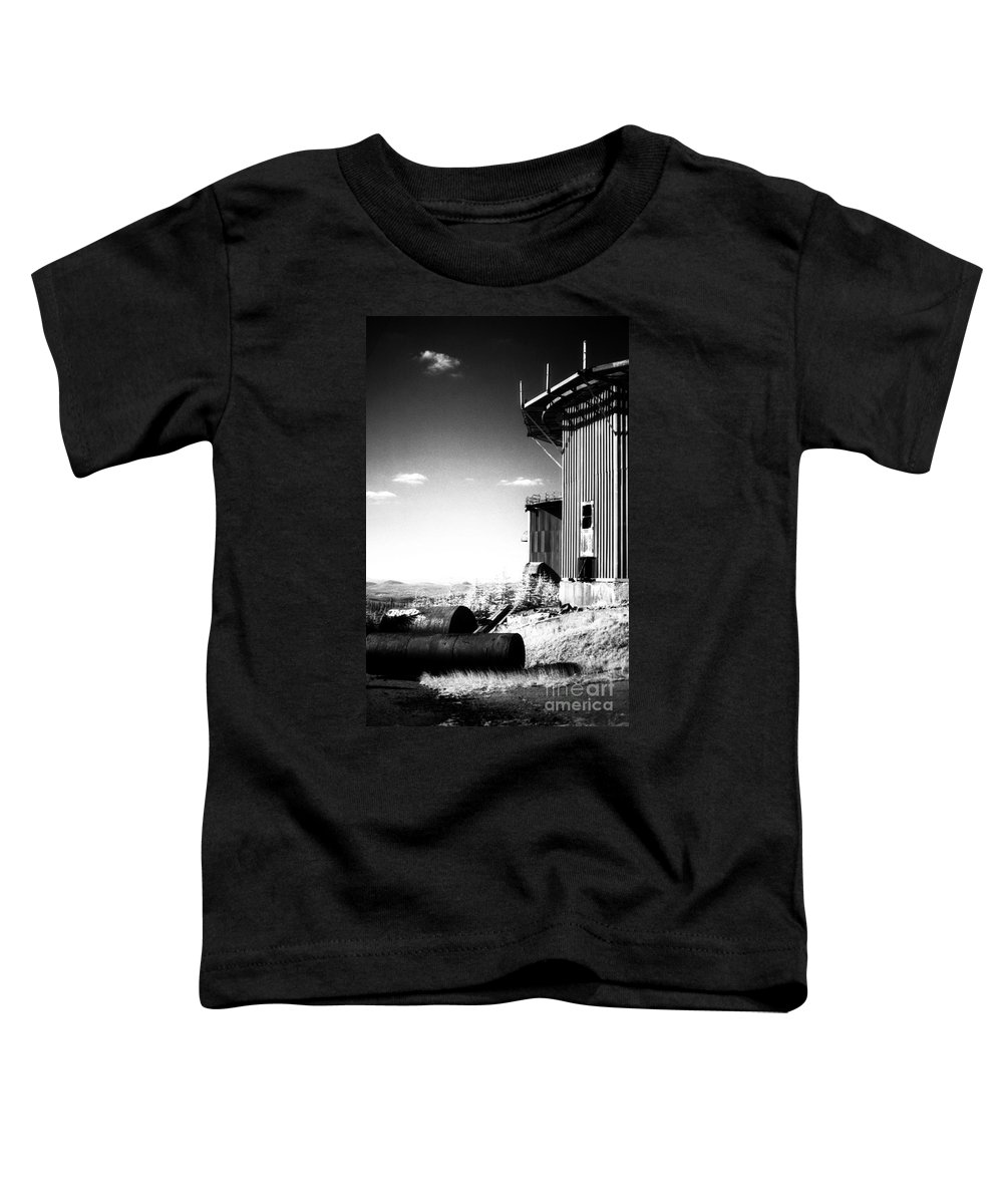 Abandoned Toddler T-Shirt featuring the photograph Abandoned Radar by Richard Rizzo