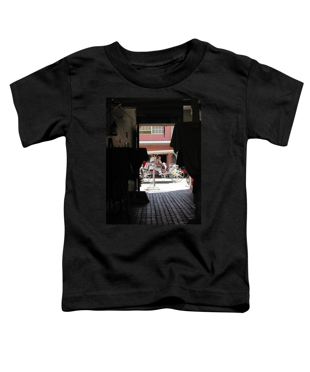 Bermuda Toddler T-Shirt featuring the photograph Bermuda Carriage by Ian MacDonald