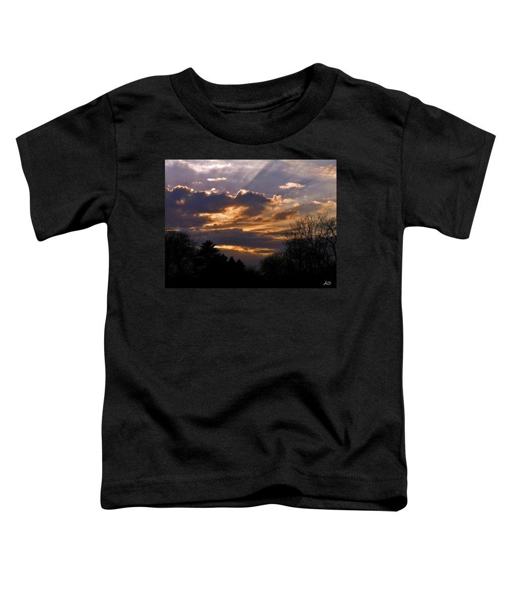 Cloud Toddler T-Shirt featuring the photograph Crown Cloud by Albert Stewart