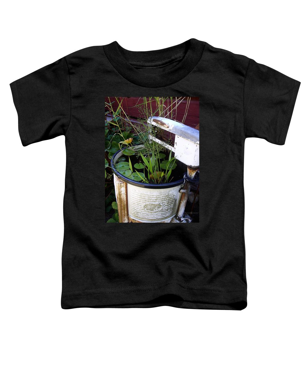 Wringer Toddler T-Shirt featuring the photograph Dead Wringer by Tim Nyberg
