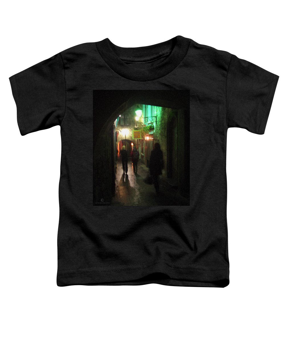 Ireland Toddler T-Shirt featuring the photograph Evening Shoppers by Tim Nyberg