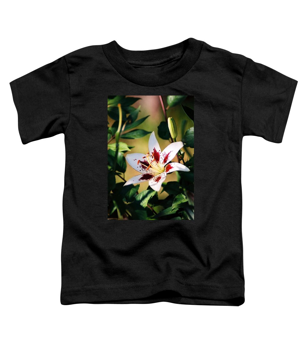 Flower Toddler T-Shirt featuring the photograph Lily by Steve Karol