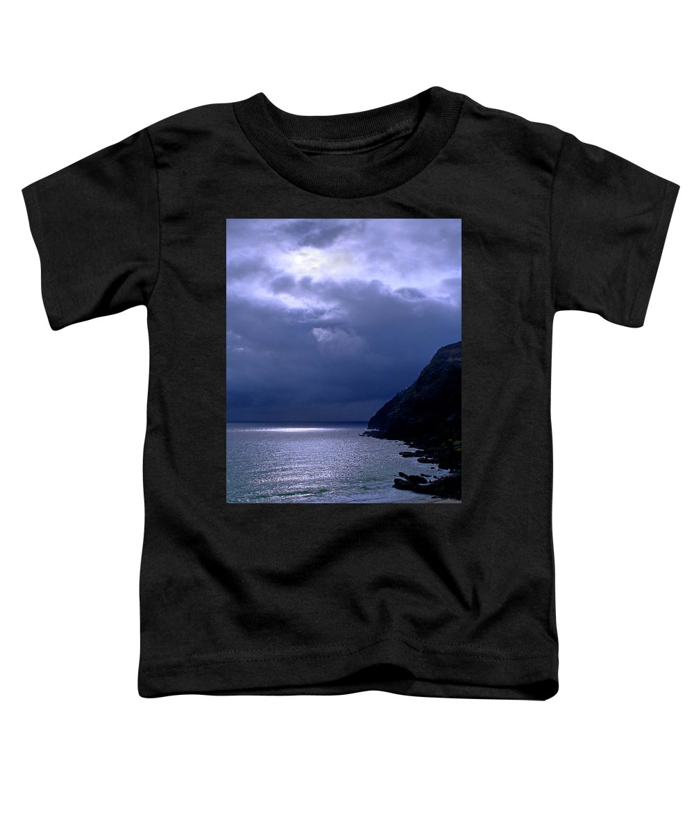 Makapuu Toddler T-Shirt featuring the photograph Makapuu Moon by Kevin Smith