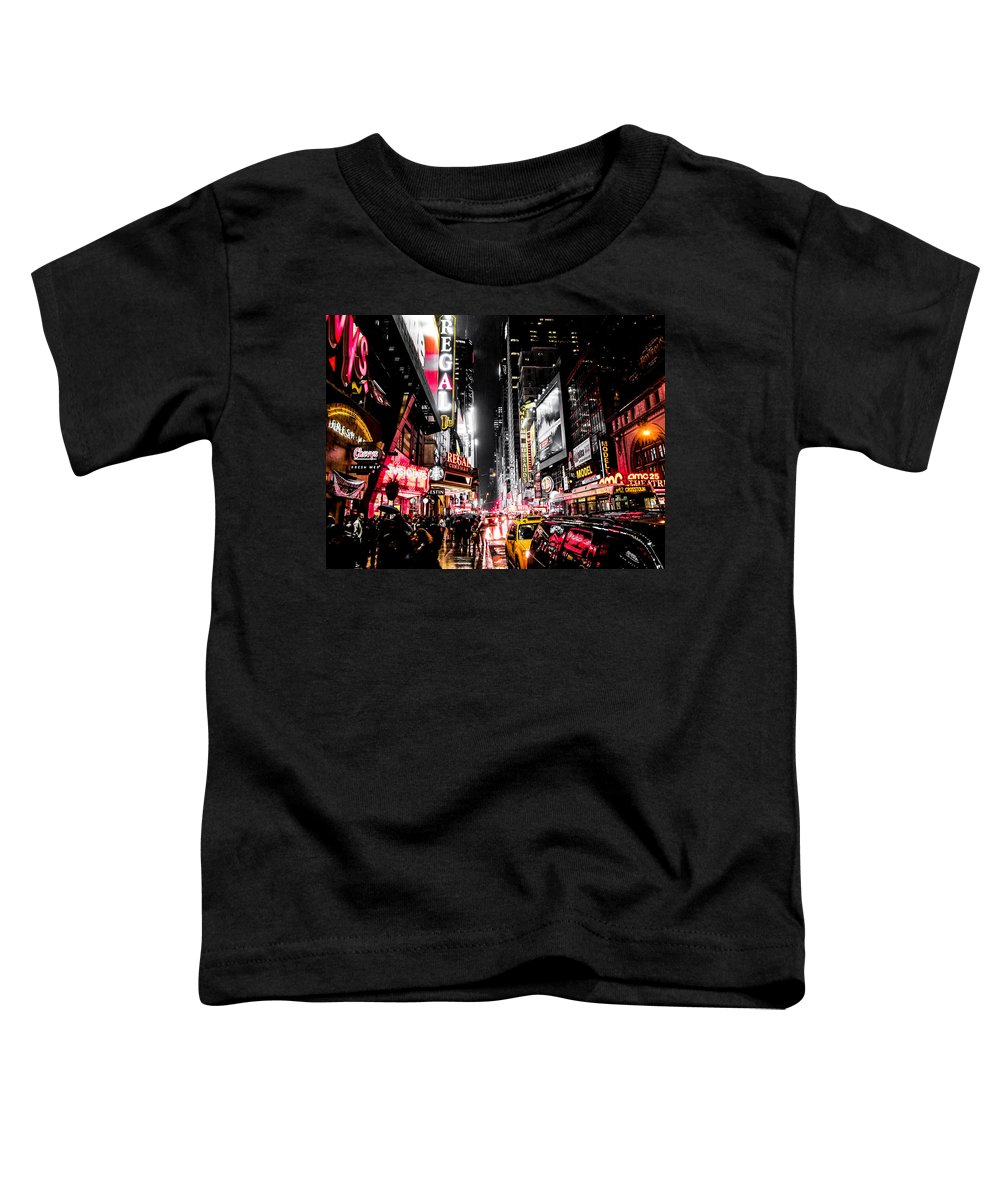 Newyork Toddler T-Shirt featuring the photograph New York City Night II by Nicklas Gustafsson