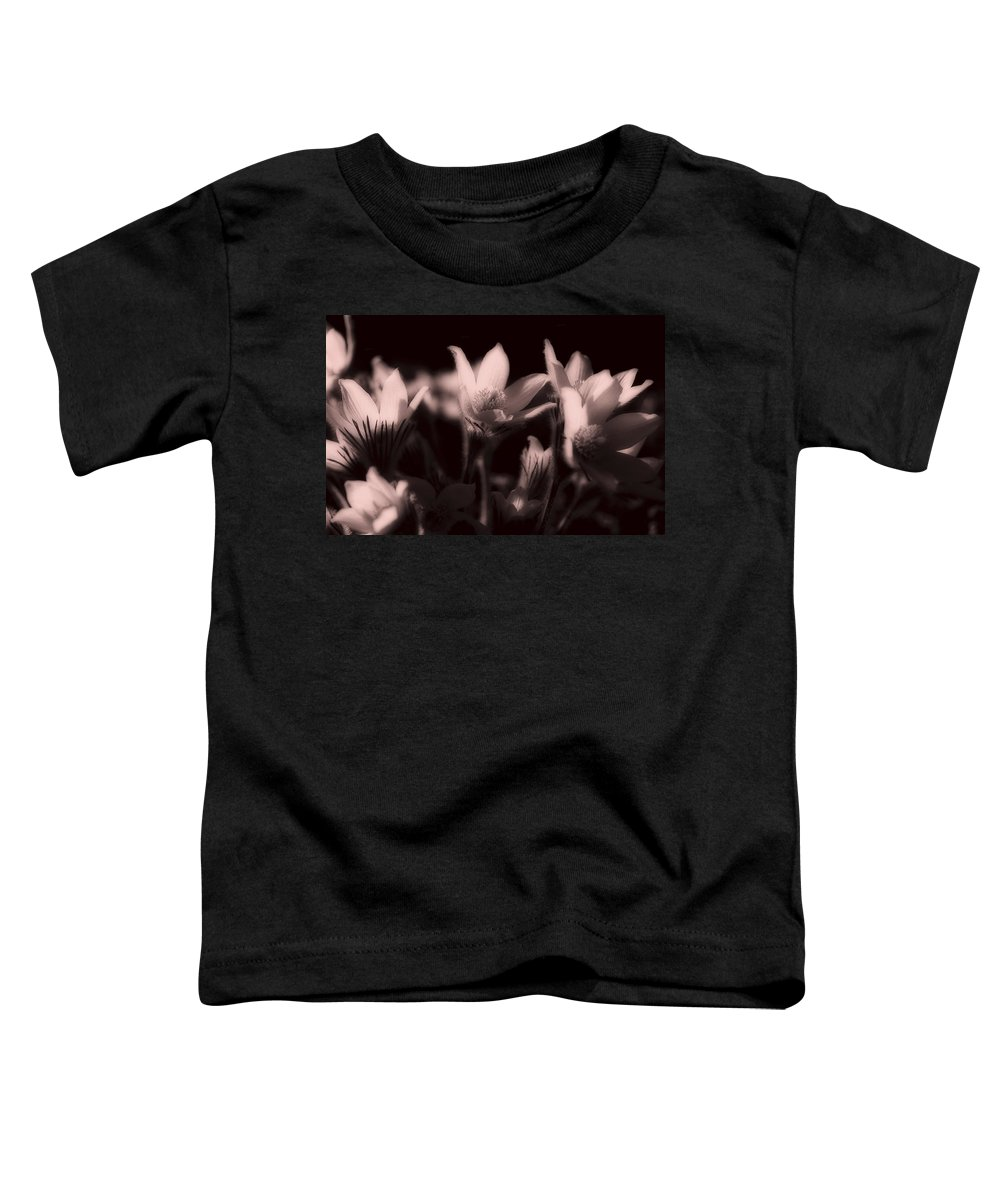 Flowers Toddler T-Shirt featuring the photograph Sleepy Flowers 2 by Marilyn Hunt