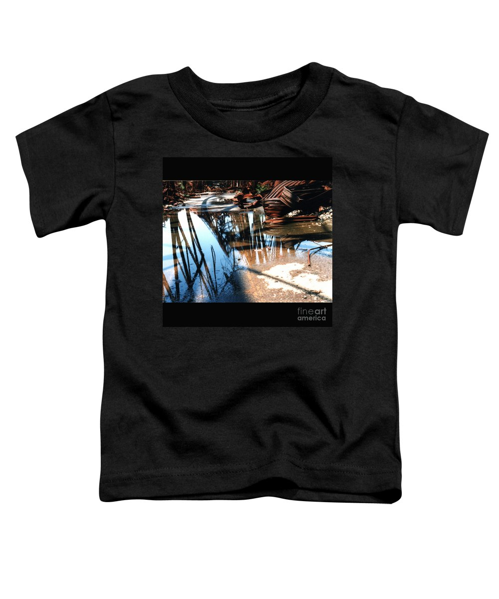Cityscape Toddler T-Shirt featuring the photograph Steel River by Ze DaLuz