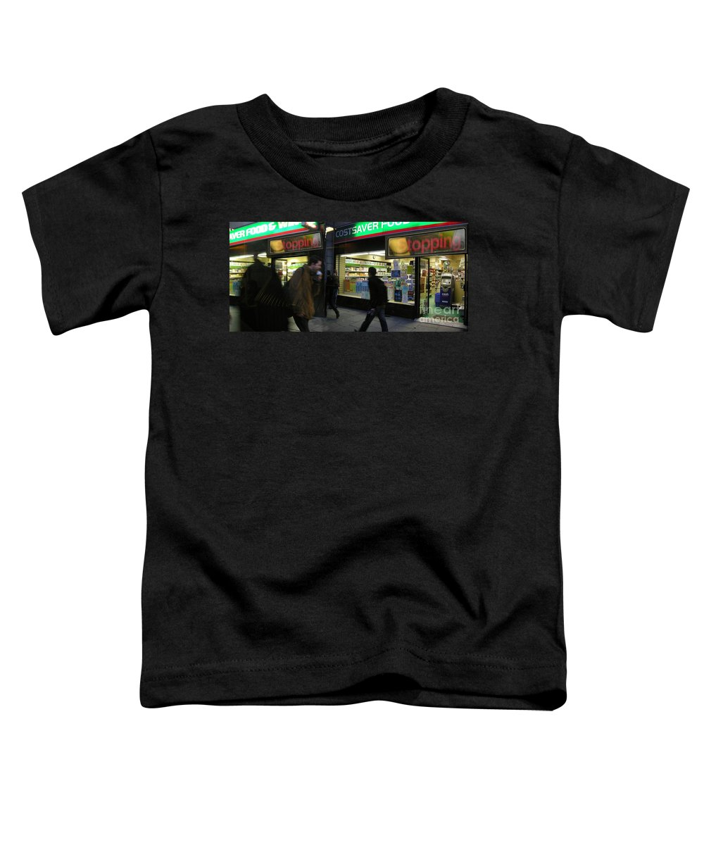 London Toddler T-Shirt featuring the photograph Stopping by Ze DaLuz