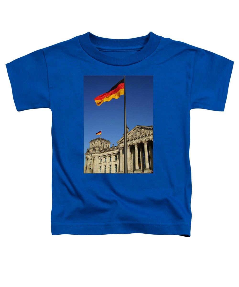 Deutscher Bundestag Toddler T-Shirt featuring the photograph Deutscher Bundestag by Flavia Westerwelle