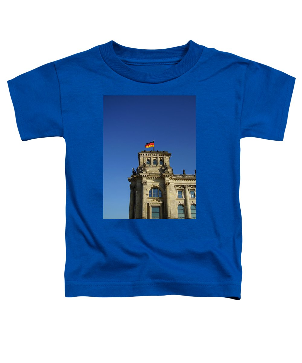 Deutscher Bundestag Toddler T-Shirt featuring the photograph Deutscher Bundestag II by Flavia Westerwelle