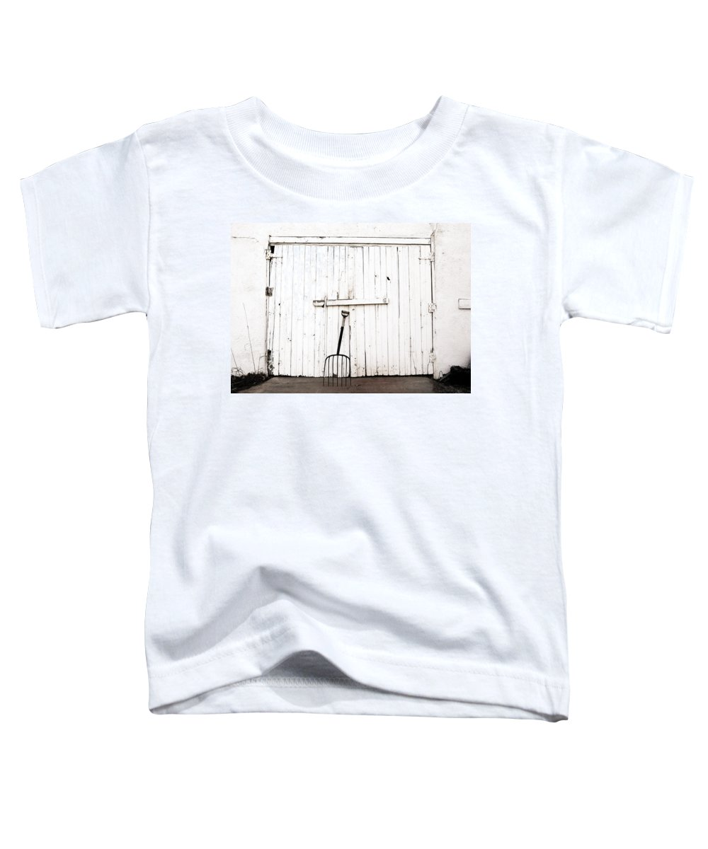 Americana Toddler T-Shirt featuring the photograph Pitch Fork by Marilyn Hunt