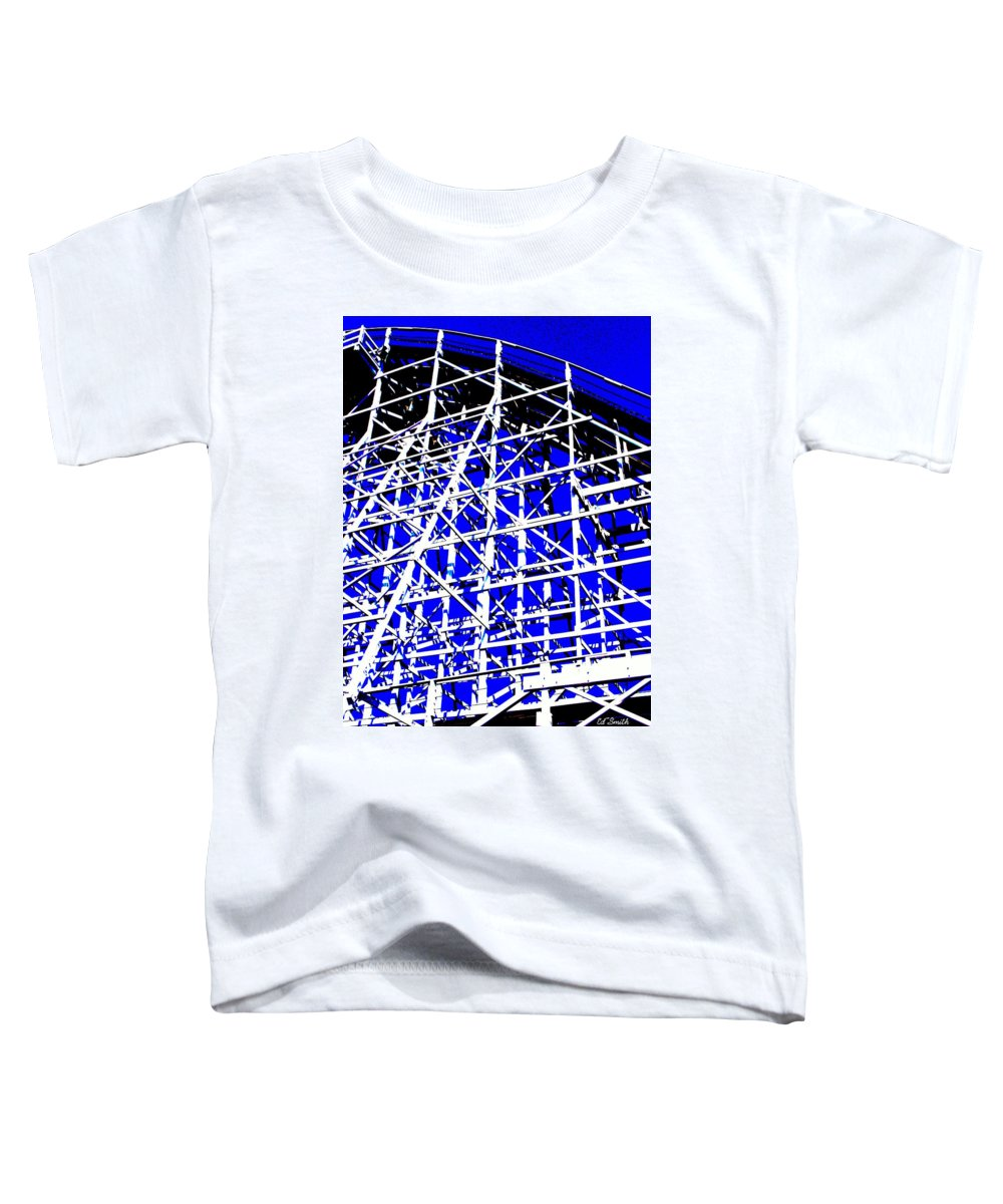 Up And Away Toddler T-Shirt featuring the photograph Up And Away by Ed Smith