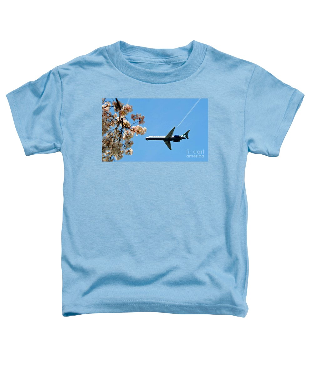Tran Toddler T-Shirt featuring the photograph Air Tran Airlines by Jost Houk