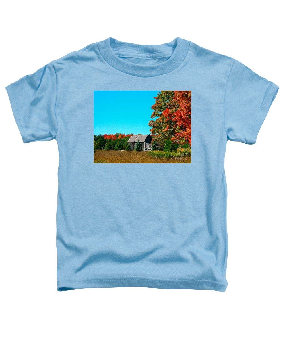 Old Barn Toddler T-Shirt featuring the photograph Old Barn In Fall Color by Robert Pearson