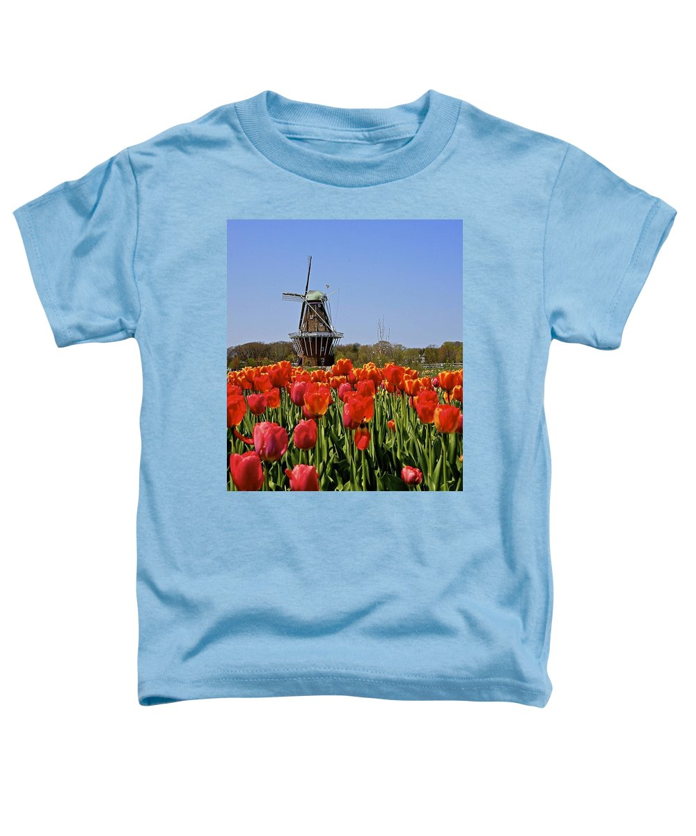 Tulips Toddler T-Shirt featuring the photograph Two Lips by Robert Pearson