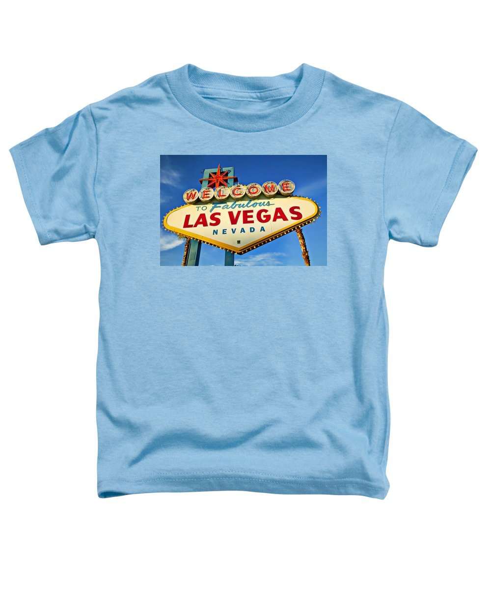 Welcome Las Vegas Sign Toddler T-Shirt featuring the photograph Welcome To Las Vegas Sign by Garry Gay