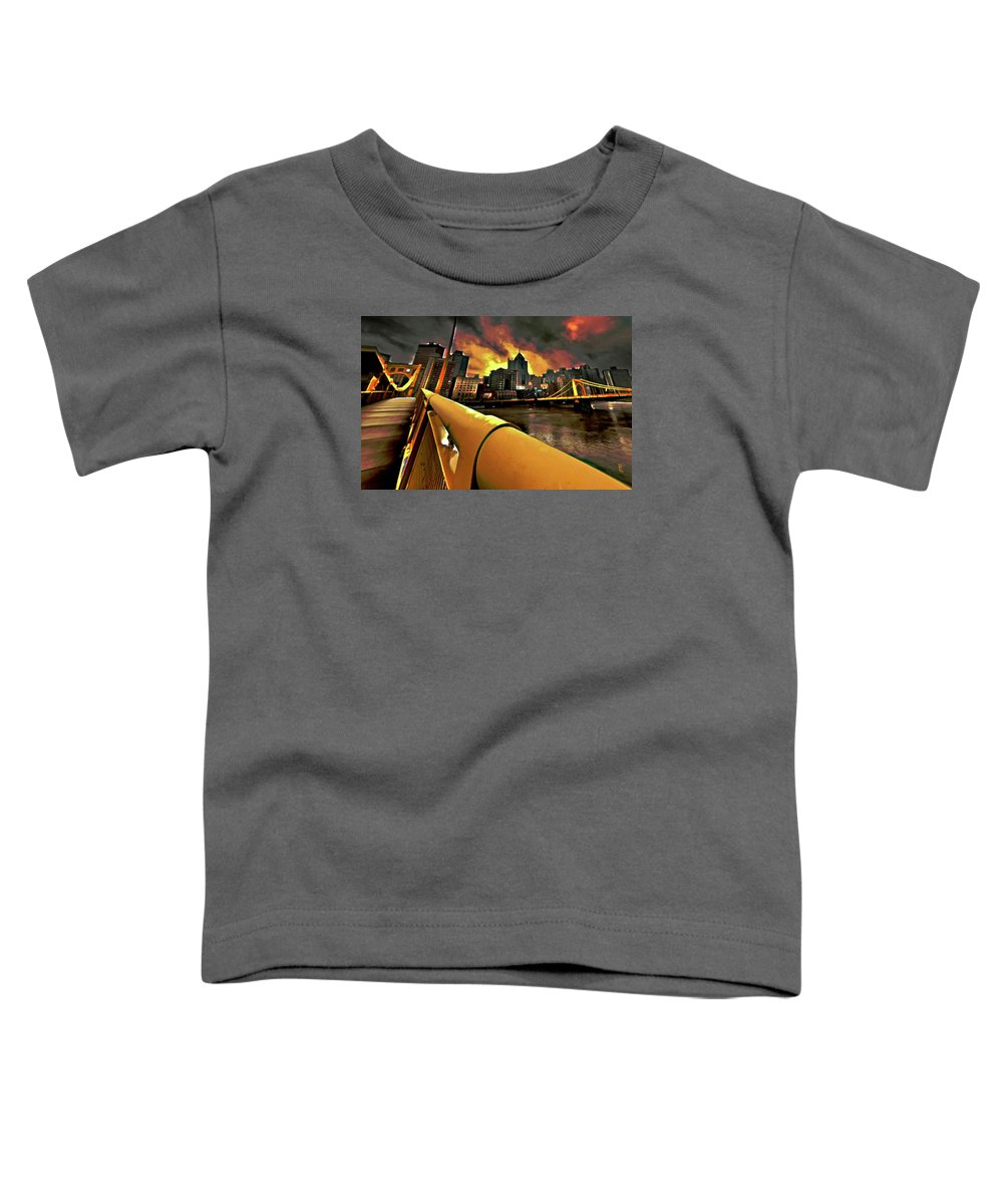 Pittsburgh Skyline Toddler T-Shirt featuring the painting Pittsburgh Skyline by Fli Art