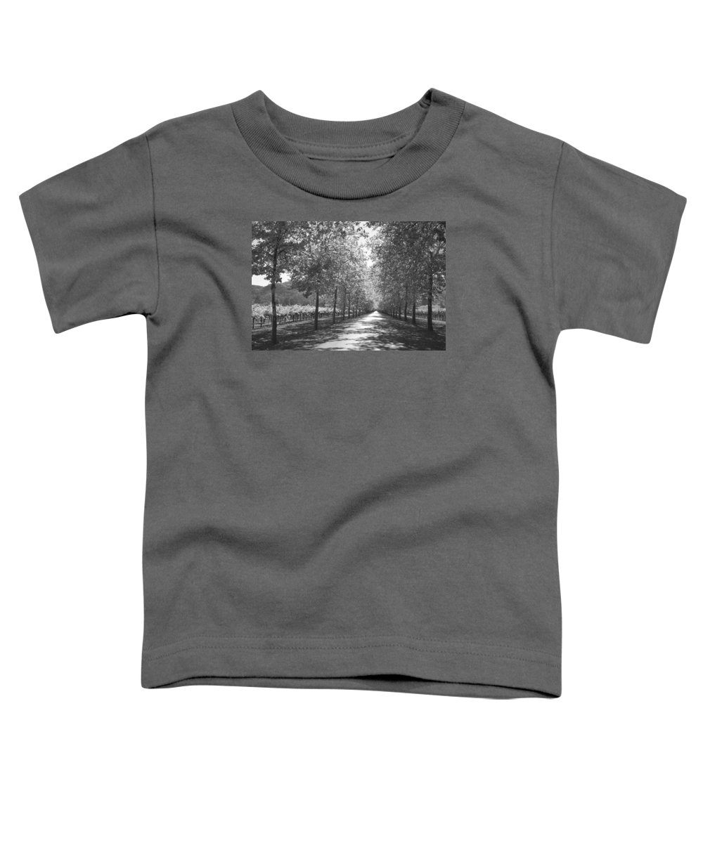 Black And White Toddler T-Shirt featuring the photograph Wine Country Napa Black And White by Suzanne Gaff
