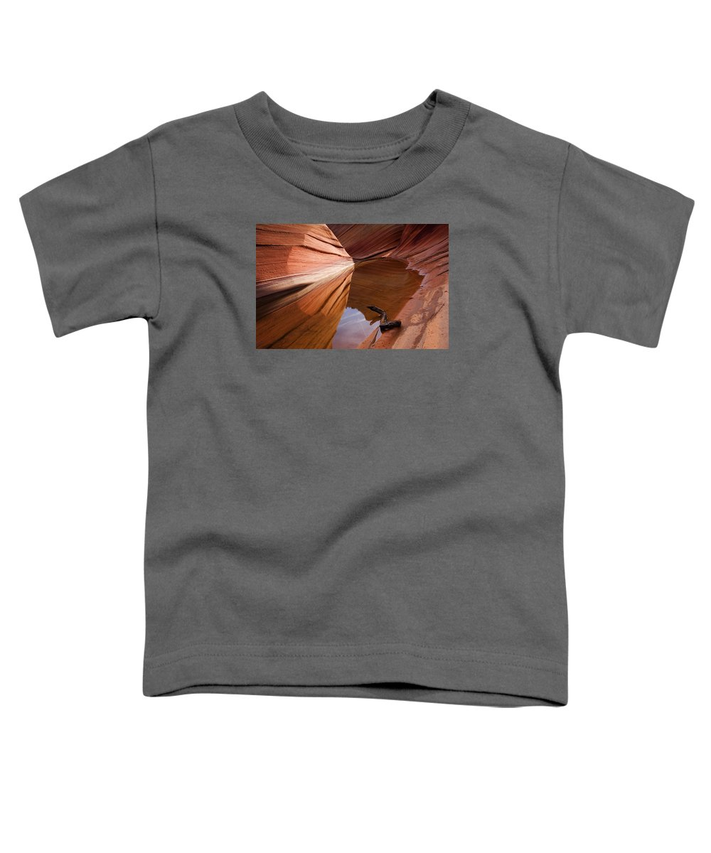 Wave Rock Toddler T-Shirt featuring the photograph Eye Of The Wave by Mike Dawson