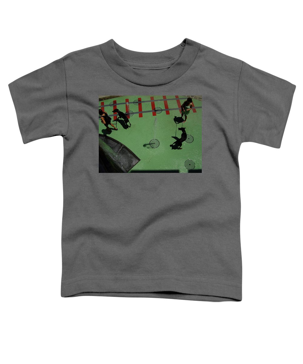 Fountain Toddler T-Shirt featuring the photograph Fountain by Flavia Westerwelle