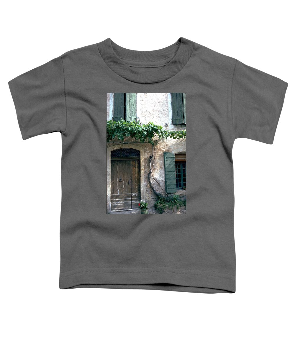 Grapevine Toddler T-Shirt featuring the photograph Grapevine by Flavia Westerwelle