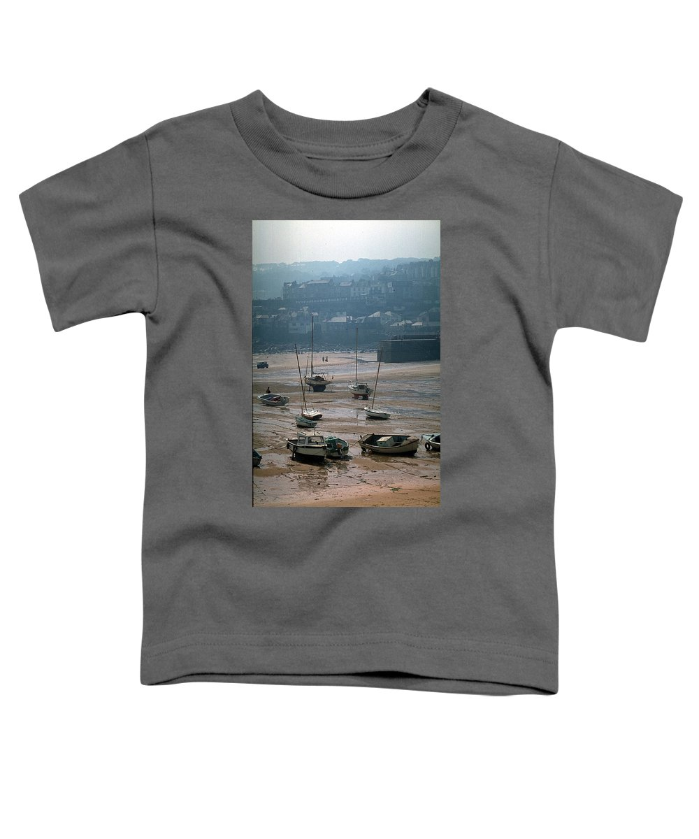 Great Britain Toddler T-Shirt featuring the photograph Harbor IIi by Flavia Westerwelle