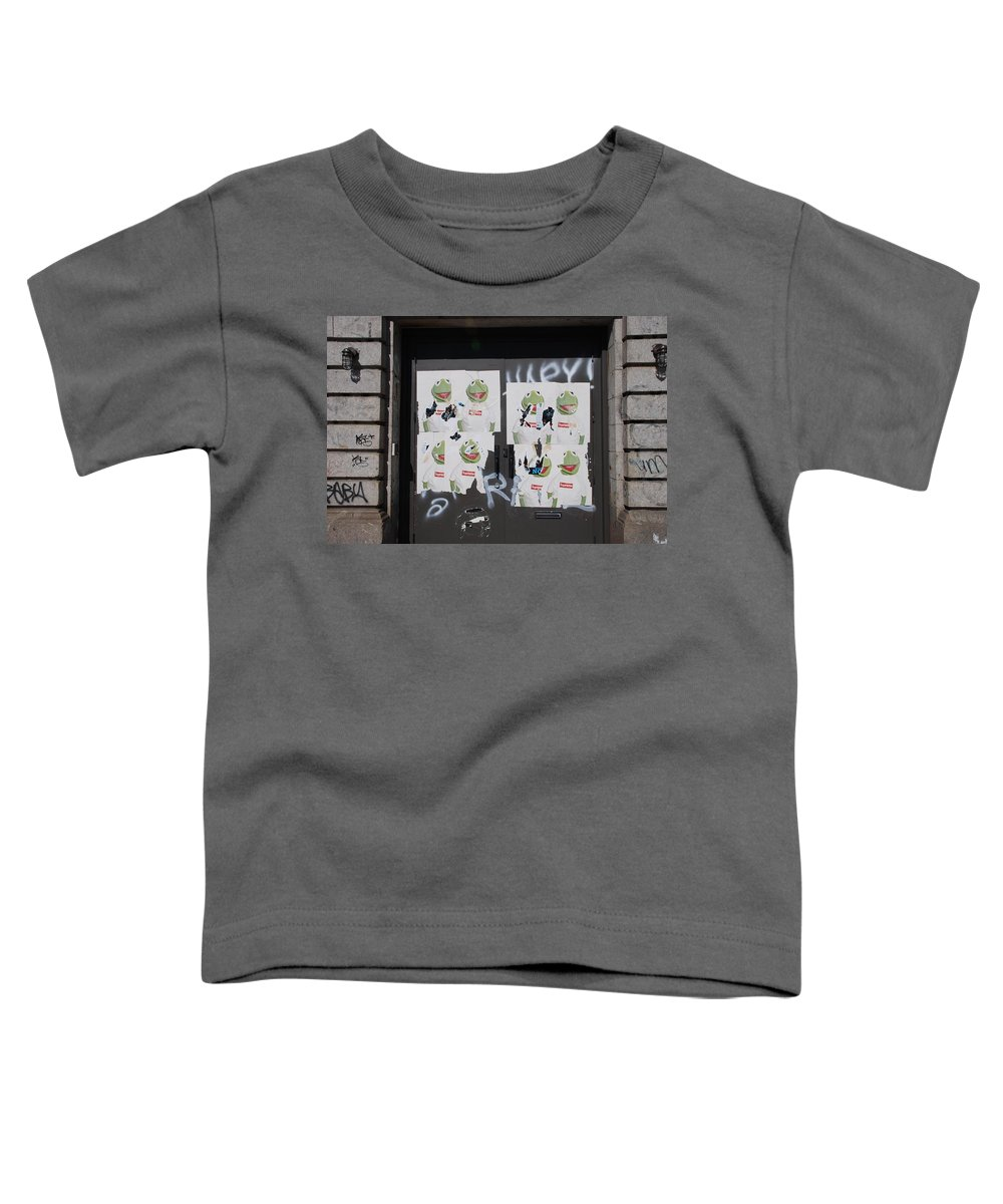 Kermit The Frog Toddler T-Shirt featuring the photograph N Y C Kermit by Rob Hans